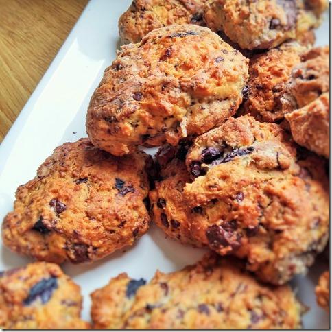 scones blueberries chocolat