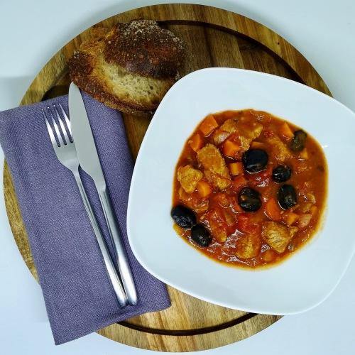 veau mijoté à la sauce aux olives
