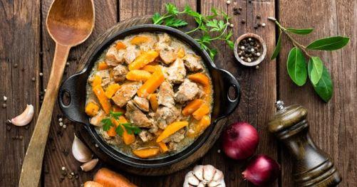 saute-de-porc-aux-carottes-vin-blanc